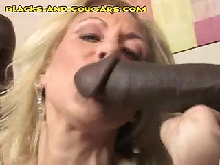 Mature babe sucks Blacks