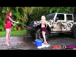 Cute teen Piper and milf Veronica Vain fucks in the car wash