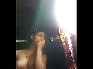 Indian ladki apne chut me lund Dana