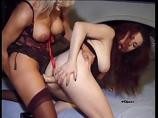 Jessica rizzo strapped on by her pervert blonde girlfriend