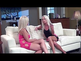Diana doll milf scissoring with first timer