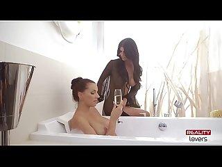Realitylovers micaela schaefer mit lesbischer freundin
