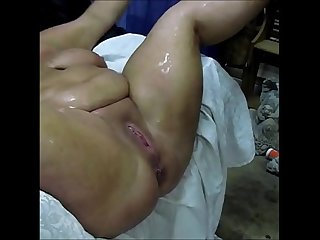Milf bbw with big tits squirts uncontrollably