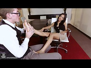 Latina Shay Evans does Footjob