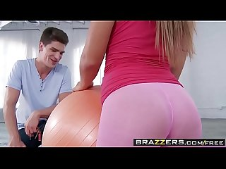 Yoga slut (Keisha Grey) needs some help stretching her tight pussy - BRAZZERS