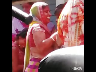 MILF SLUT PLAYING HOLI 2
