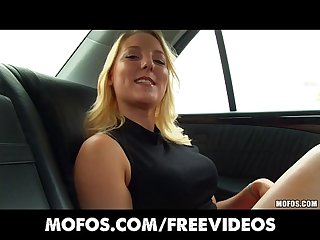 Blond Amateur lisa hype rubs her puffy pussy in the back of A cab