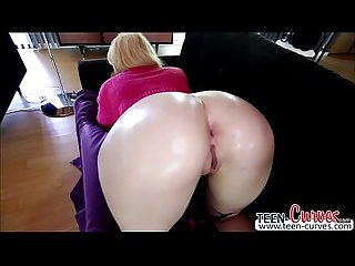 Super horny chick Victoria is getting horny and wants her pussy fucked