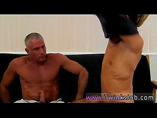 Gay video This super-sexy and muscular hunk has the killer twink