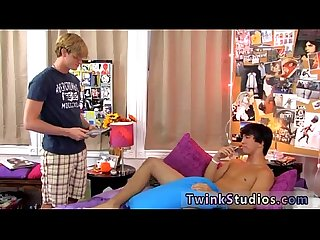 Free movietures of hard gay porn jason is deep throating a man
