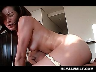 Turned on mature jap chick riding starved dick up in her pussy