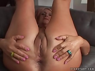 Old grandma takes anal pounding