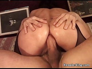 Mature slut gets tight asshole fucked