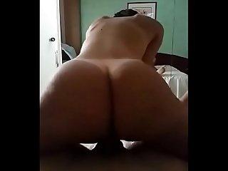 Venezolana matndose duro en el hotel