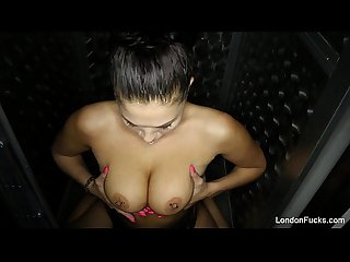 London Keyes fucks herself