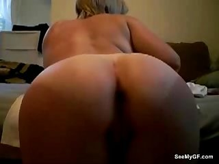 Girlfriend dildoing her pussy
