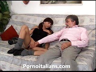 Porno Incesto italiano vecchio porco scopa ragazza vogliosa italian