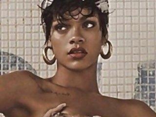 Rihanna topless http bit ly 1bvnmc1