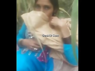 Desi musilm maid aunty fucking with owner in fields