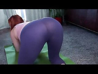 Mom pussy destruction during yoga