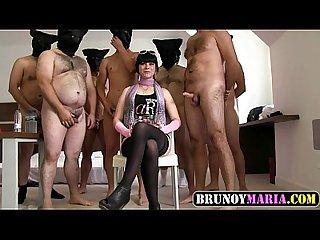 Bukkake de nia muy cerda de brunoymaria con 8 hombres con folladas