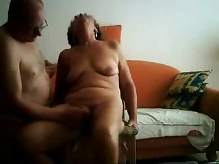 Old slut having great orgasm real amateur
