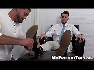 Ricky really love to make kc feet sole and toes wet