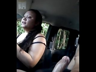 chubby asian sucking dick in car