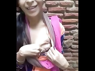 Desi Girlfriend showing boobs in public - Full video http://desixgirls.xyz/