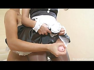 Straponcum strapon french maid