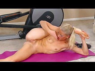Yoga masturbation at hardbodycams com