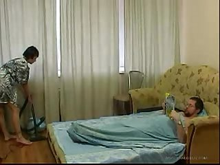 Young daughter cleaning the room gets fucked by old father