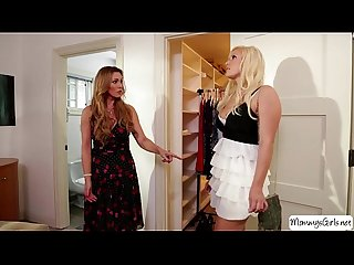 Ten kylie page and her stepmom tanya tate enjoys lesbian scissor sex