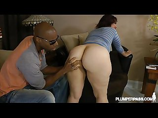 Big booty Pawg mazzaratie Monica has ass spread and fucked