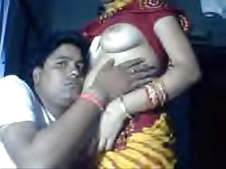 Delhi wali beautiful bhabi in saree exposed by husband for money