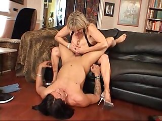 Big Titted Milf Is Glad-XCAM5.COM
