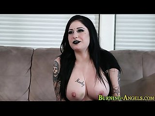 Gothic alt whore gets Dp