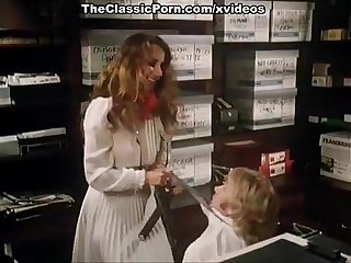 Annette haven Lisa de leeuw veronica hart in vintage porn video