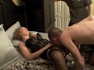 bisexual mmf with cum eating