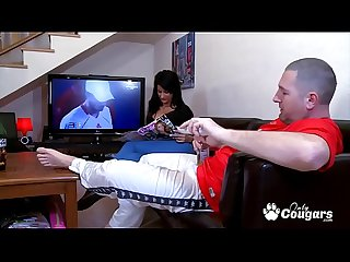 Spanish Housewife Susi Gala Sucks Off Her Man While He Watches TV