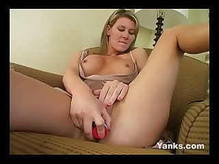 Yans MILF Desiree Jabiga Orgasms