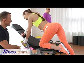 Fitnessrooms teen babe gets fucked after her sweaty workout