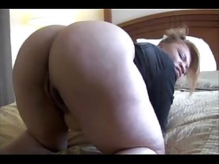 Sexy redbone mistress spreads her Ass for your tongue