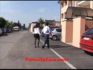 Casalinga italiana ninfomane scopata