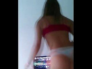 Argenta bailando y desnudandoce Duro contra la pared