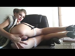 Young blonde and her tight ass on webcam more videos www girls4freewebcam com