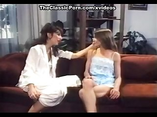 angel westcomma Crystal breezecomma Jay serling in Retro Porno mit Hot Lesben Aktion