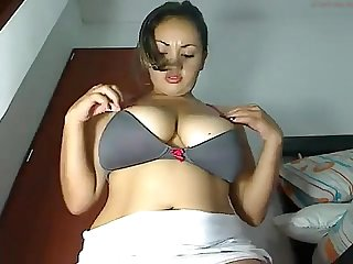 Hot thick amerasian on cam from lhwadwa com