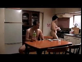 Japanse huisvrouw cuckold vanwege caveman echtgenoot zie meer bit ly 2z4io3k