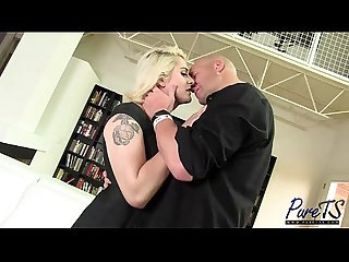 Blonde bombshell Isabella gets dicked down